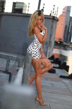 Ilenia escort girl in Statesville