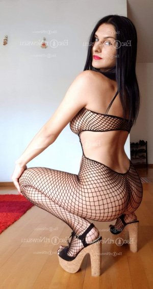 Ange-line live escort in Crown Point