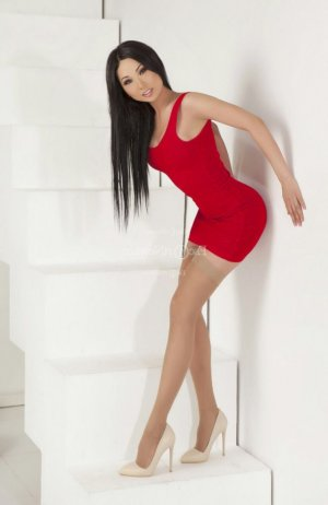 Annamaria escort girl