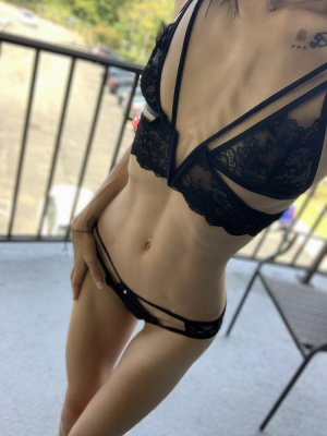 Marie-nadia live escort in Destin