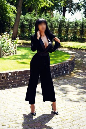 Miguelle escort girl